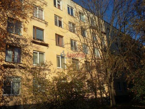 Комната в 3-комнатной квартире (42м2) на продажу по адресу Подводника Кузьмина ул., 2— фото 2 из 4