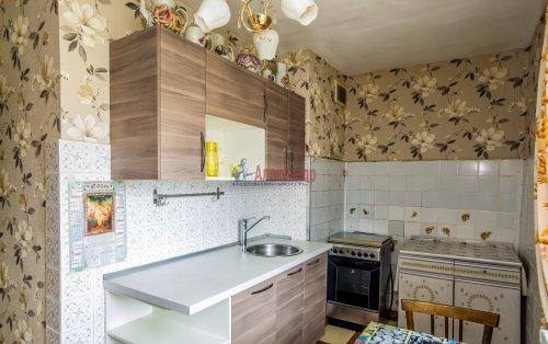 3-комнатная квартира (65м2) на продажу по адресу Купчинская ул., 33— фото 1 из 18