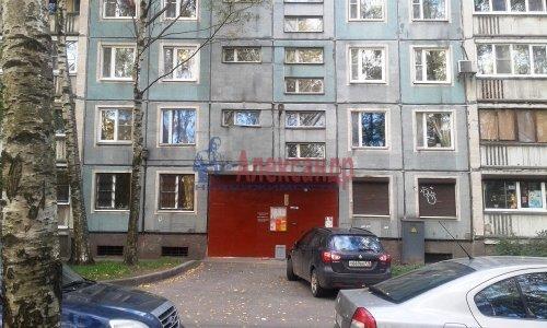 3-комнатная квартира (59м2) на продажу по адресу Светлановский просп., 46— фото 2 из 17