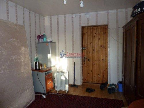 Комната в 4-комнатной квартире (376м2) на продажу по адресу Петергоф г., Володи Дубинина ул., 12а— фото 2 из 9