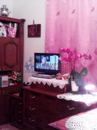 Комната в 3-комнатной квартире (85м2) на продажу по адресу Ломоносов г., Сафронова ул., 6— фото 2 из 8