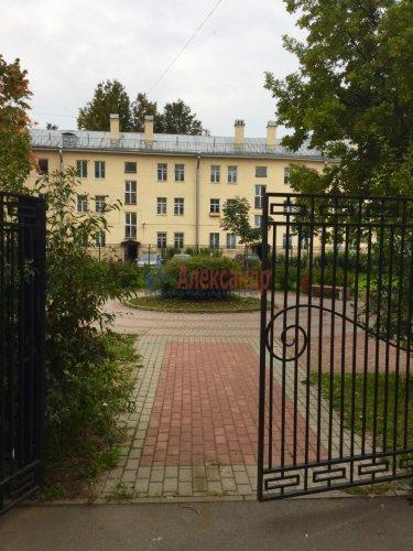 3-комнатная квартира (63м2) на продажу по адресу Колпино г., Карла Маркса ул., 10— фото 1 из 24