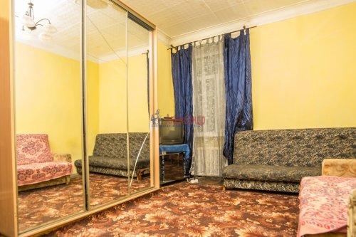 Комната в 10-комнатной квартире (285м2) на продажу по адресу Савушкина ул., 80— фото 2 из 7