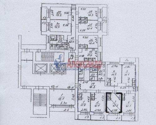 Комната в 6-комнатной квартире (211м2) на продажу по адресу Сиреневый бул., 9— фото 2 из 5