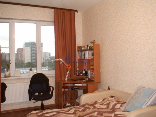 2-комнатная квартира (60м2) на продажу по адресу Доблести ул., 17— фото 8 из 21