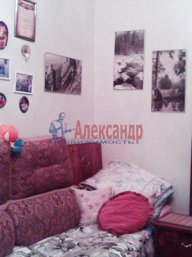Комната в 3-комнатной квартире (85м2) на продажу по адресу Ломоносов г., Сафронова ул., 6— фото 1 из 8