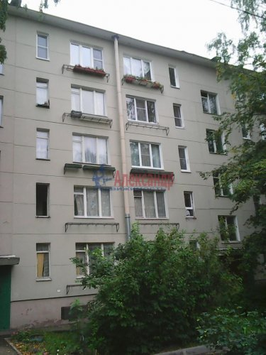 3-комнатная квартира (42м2) на продажу по адресу Пражская ул., 16— фото 1 из 3