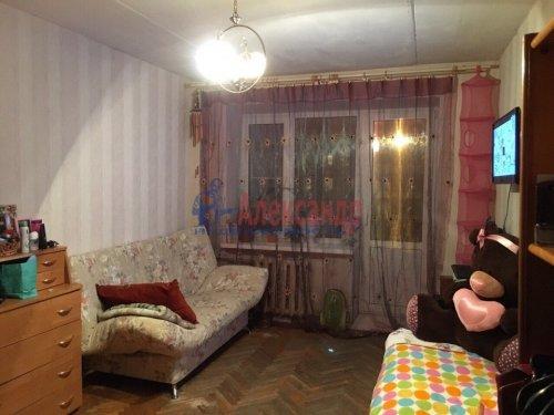 1-комнатная квартира (30м2) на продажу по адресу Ломоносов г., Победы ул., 15— фото 1 из 4