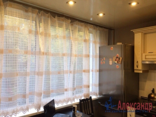 2-комнатная квартира (47м2) на продажу по адресу Славы пр., 22— фото 2 из 16