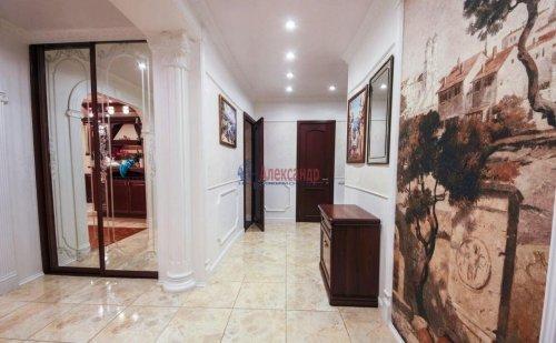3-комнатная квартира (106м2) на продажу по адресу Комендантский пр., 11— фото 12 из 16