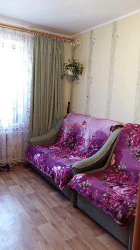 Комната в 8-комнатной квартире (13м2) на продажу по адресу Брянцева ул., 15— фото 3 из 10