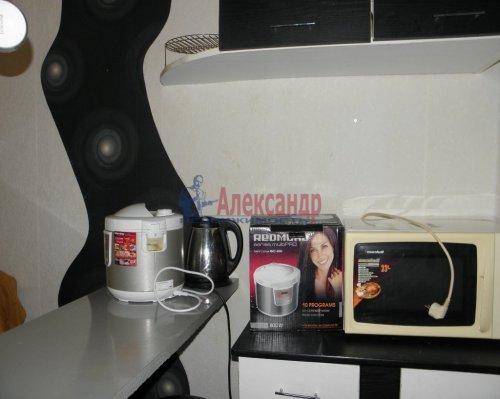 Комната в 6-комнатной квартире (211м2) на продажу по адресу Сиреневый бул., 9— фото 5 из 5