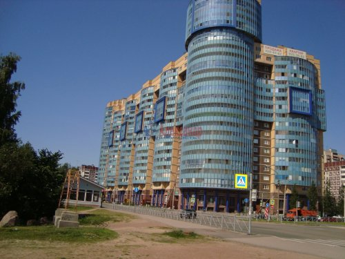 3-комнатная квартира (96м2) на продажу по адресу Планерная ул., 63— фото 2 из 11