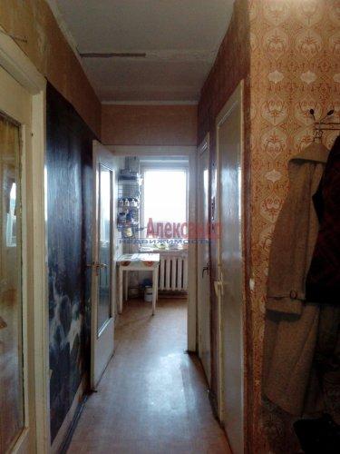 Комната в 3-комнатной квартире (64м2) на продажу по адресу Кузнечное пгт., Гагарина ул., 3— фото 3 из 9
