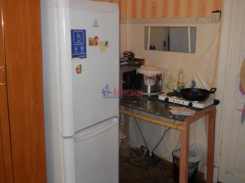 Комната в 9-комнатной квартире (240м2) на продажу по адресу Мытнинская ул., 9— фото 3 из 20