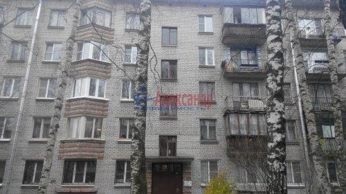 3-комнатная квартира (55м2) на продажу по адресу Петергоф г., Разведчиков бул., 16— фото 1 из 3