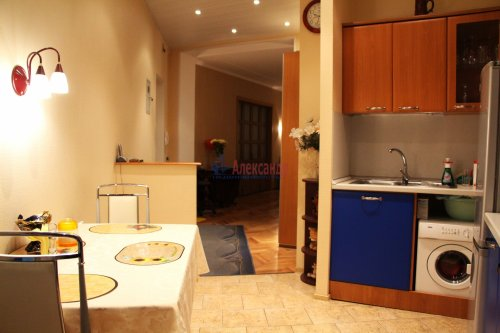 3-комнатная квартира (66м2) на продажу по адресу Добролюбова пр., 2— фото 3 из 15