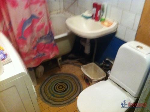 2-комнатная квартира (45м2) на продажу по адресу Маршала Блюхера пр., 63— фото 8 из 10