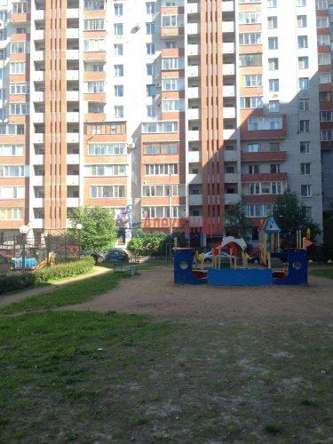 2-комнатная квартира (77м2) на продажу по адресу Кондратьевский пр., 62/3— фото 1 из 15
