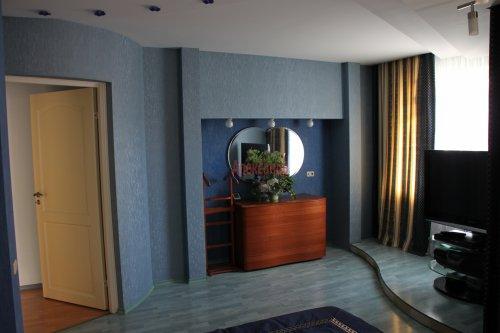 3-комнатная квартира (114м2) на продажу по адресу Пятилеток пр., 9— фото 4 из 29