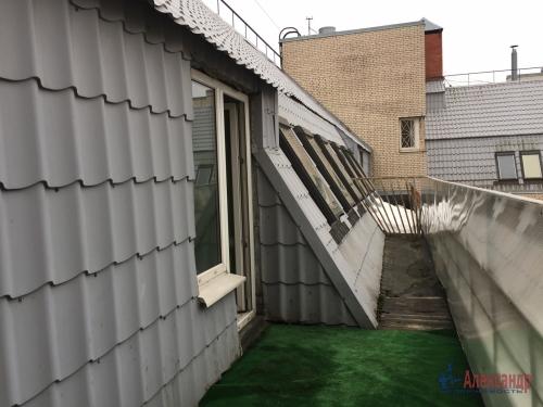 2-комнатная квартира (58м2) на продажу по адресу Киришская ул., 4— фото 13 из 20