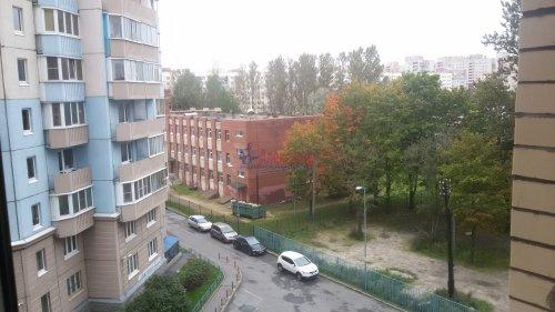 1-комнатная квартира (38м2) на продажу по адресу Брянцева ул., 15— фото 11 из 13