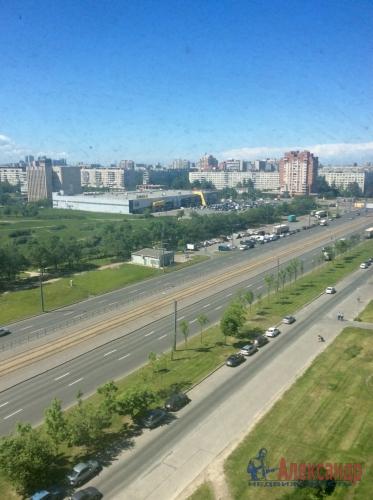 3-комнатная квартира (68м2) на продажу по адресу Бухарестская ул., 116— фото 1 из 2