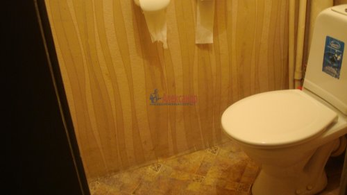 Комната в 3-комнатной квартире (68м2) на продажу по адресу Невский пр., 113/4— фото 6 из 12
