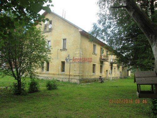 2 комнаты в 3-комнатной квартире (54м2) на продажу по адресу Назия пос., Комсомольский просп., 11— фото 2 из 13
