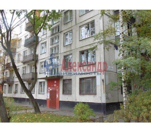 3-комнатная квартира (59м2) на продажу по адресу Генерала Симоняка ул., 11— фото 1 из 2