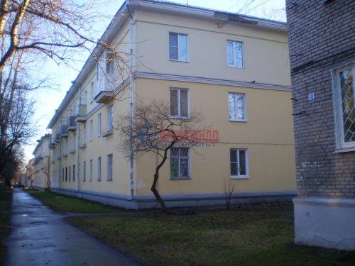3-комнатная квартира (61м2) на продажу по адресу Волхов г., Коммунаров ул., 20— фото 1 из 2