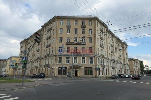 Комната в 12-комнатной квартире (623м2) на продажу по адресу Смоленская ул., 31— фото 1 из 7