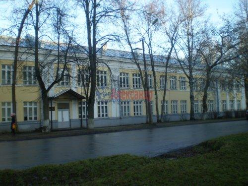 3-комнатная квартира (61м2) на продажу по адресу Волхов г., Коммунаров ул., 20— фото 2 из 2