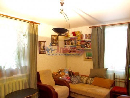 2-комнатная квартира (40м2) на продажу по адресу Летчика Пилютова ул., 20— фото 2 из 4