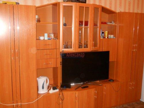Комната в 9-комнатной квартире (240м2) на продажу по адресу Мытнинская ул., 9— фото 4 из 20
