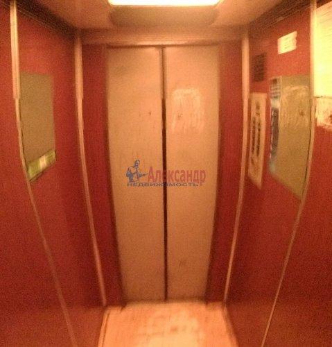 1-комнатная квартира (39м2) на продажу по адресу Просвещения просп., 64— фото 2 из 10