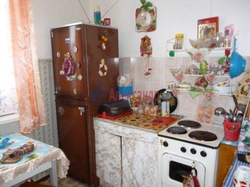 2-комнатная квартира (50м2) на продажу по адресу Подпорожье г., Гнаровской ул., 18— фото 1 из 3