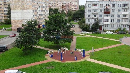 Комната в 2-комнатной квартире (44м2) на продажу по адресу Ломоносов г., Победы ул., 36— фото 1 из 2