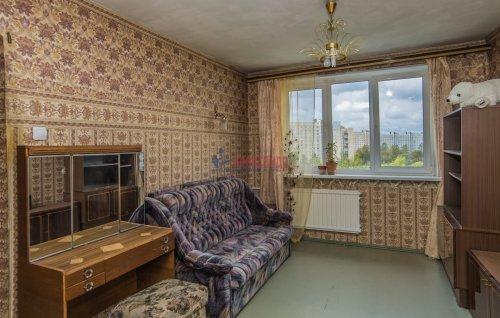 3-комнатная квартира (65м2) на продажу по адресу Купчинская ул., 33— фото 13 из 18