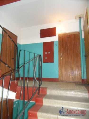 3-комнатная квартира (73м2) на продажу по адресу Коммунар г., Куралева ул., 15— фото 2 из 8