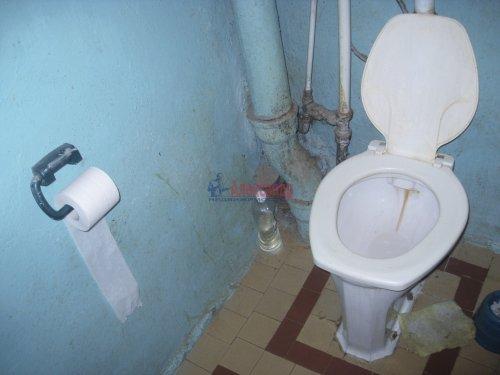 Комната в 4-комнатной квартире (72м2) на продажу по адресу Ропшинская ул., 22— фото 8 из 8