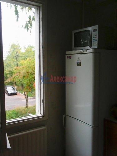 3-комнатная квартира (42м2) на продажу по адресу Пражская ул., 16— фото 3 из 3