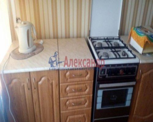 1-комнатная квартира (30м2) на продажу по адресу Ладожский Трудпоселок дер., 5— фото 1 из 7