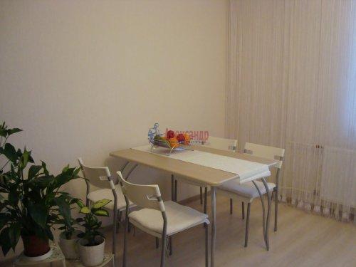 1-комнатная квартира (40м2) на продажу по адресу Ленинский пр., 72— фото 2 из 8