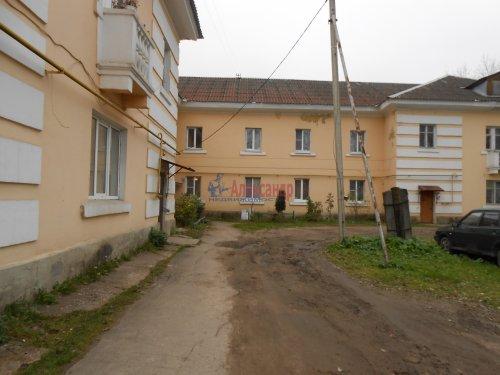 Комната в 3-комнатной квартире (81м2) на продажу по адресу Волхов г., Советская ул., 5— фото 1 из 3