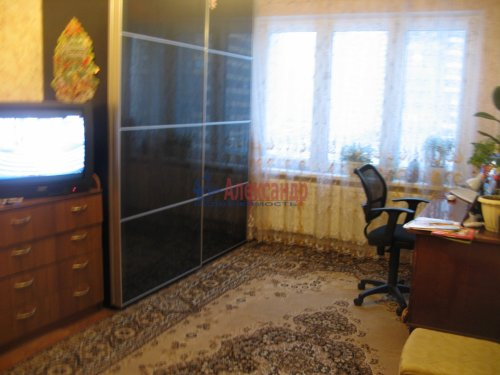 1-комнатная квартира (33м2) на продажу по адресу Кузнецова пр., 10— фото 2 из 13