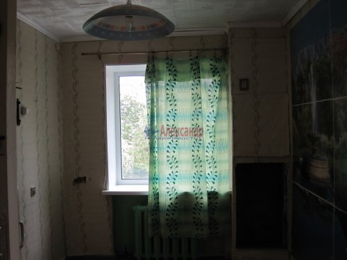 2-комнатная квартира (41м2) на продажу по адресу Волхов г., Работниц ул., 4— фото 4 из 6