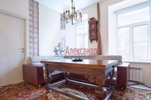 3-комнатная квартира (80м2) на продажу по адресу Суворовский пр., 5— фото 2 из 9