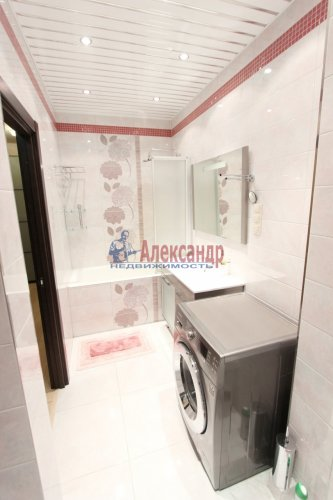 2-комнатная квартира (64м2) на продажу по адресу Белы Куна ул., 1— фото 11 из 16