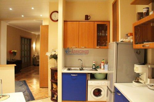 3-комнатная квартира (66м2) на продажу по адресу Добролюбова пр., 2— фото 4 из 15
